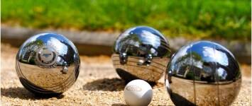 Jue de boules in het centrum! - C71524FF-1F18-4CB8-A9F6-3E209D3A443D
