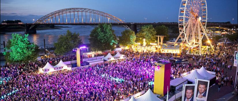2015-07-19-bert-beelen-zomerfeesten-waalkade-publiek