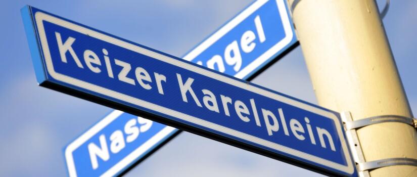 2012-08-08-corne-bastiaansen-afgekocht---straatnaamborden